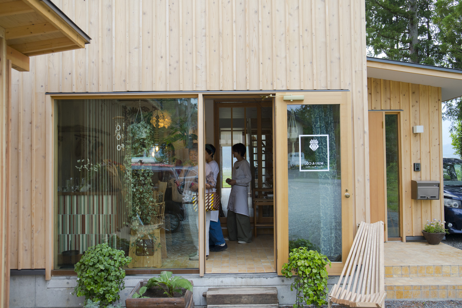 MIKI&CO.の店舗外観