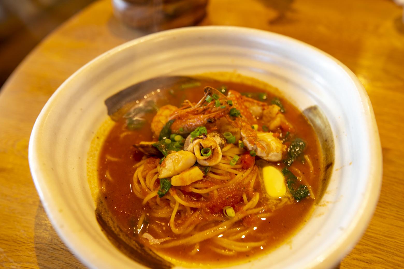魚介とトマトスープのパスタ